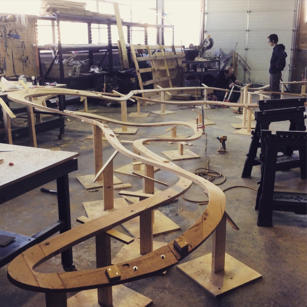 QnA Design Cloud laminated wood 04 laid out in the shop