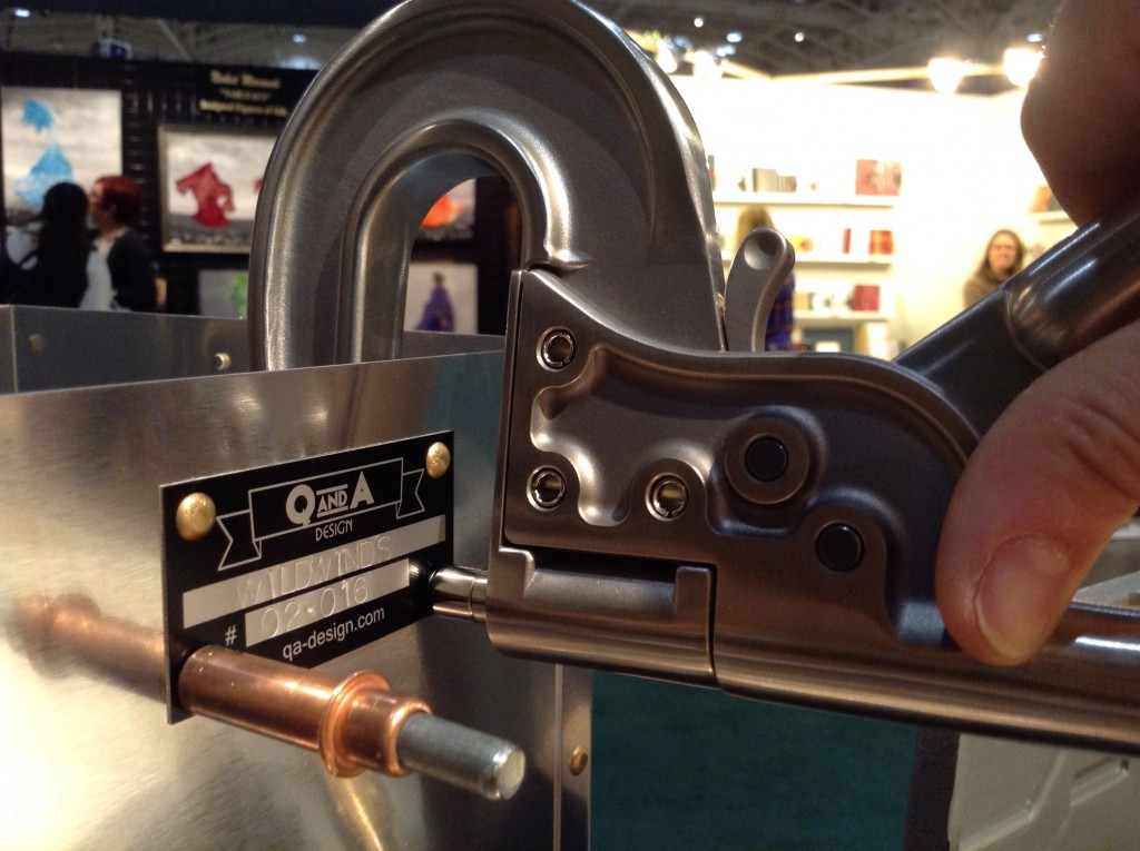 qna-design-ooakx2016-booth-maple-wall-aluminum-stand-08-riveting-serial-number-plate