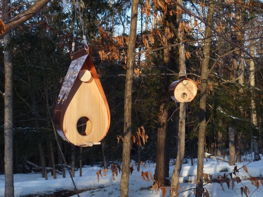 QnA Design Bird Feeder Copper Cedar 03 family picture Teardrop Barrel