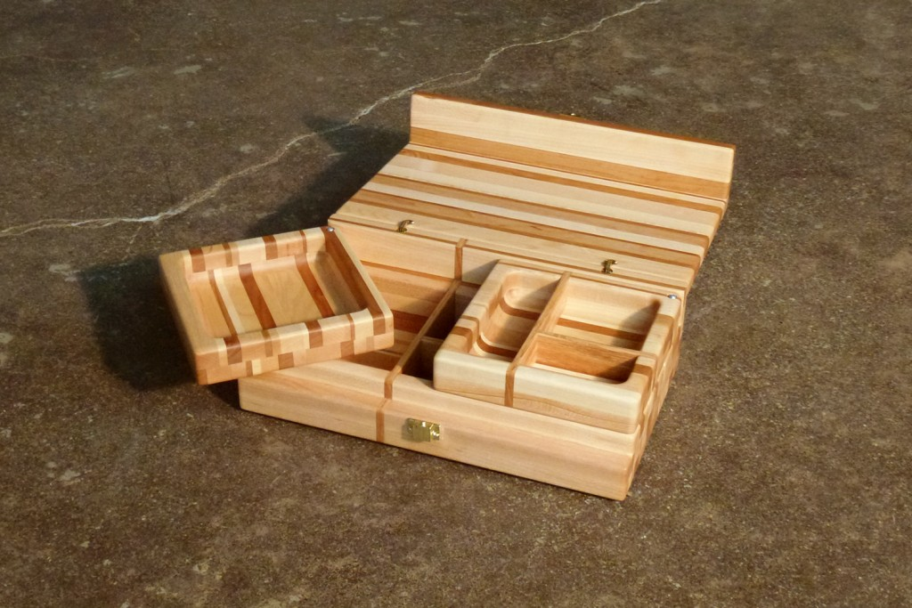 QnA Design Jewelry box 04 wood overall view open